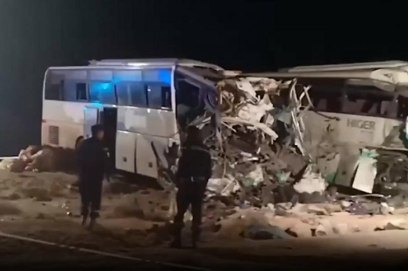 Алжирде екі автобус соқтығысып, 12 адам мерт болды