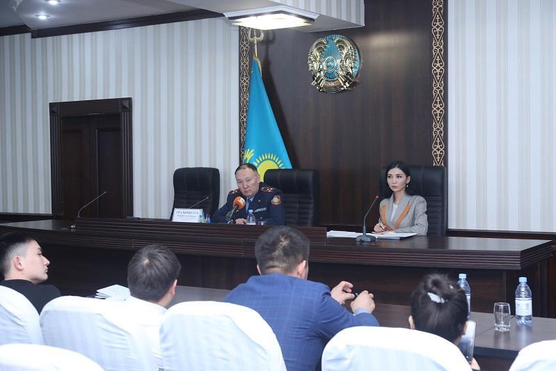 Жамбылские полицейские разъясняют изменения в законодательстве