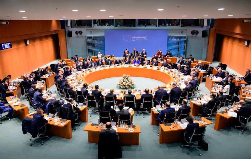 Прекратить поддержку воюющих сторон призвали на конференции по Ливии