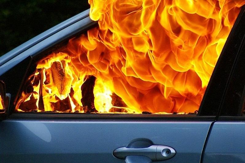 Три автомобиля сгорели за неделю в СКО
