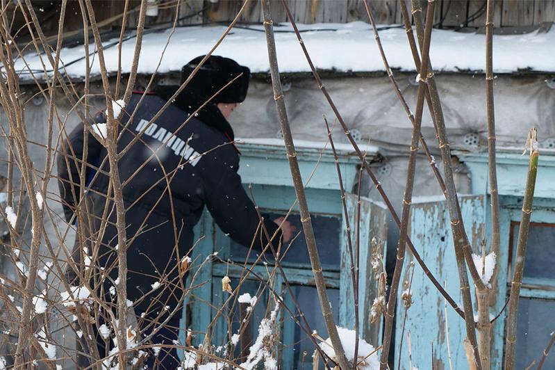 Оставленных без присмотра и закрытых на ключ детей обнаружили полицейские СКО