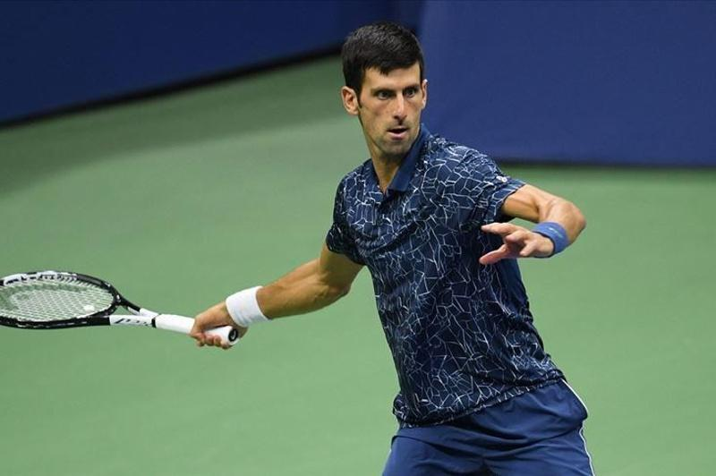 Djokovic advances to second round at Australian Open