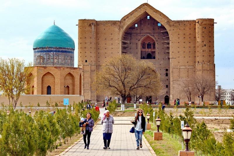 亚萨维陵寝纪念馆2019年接待游客150万人次