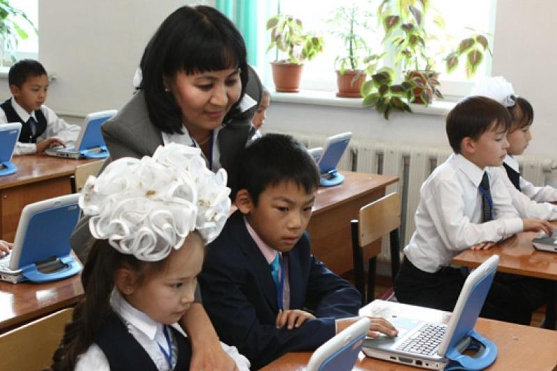 Более 4 тысяч сотрудников туркестанских школ трудоустроены через электронную систему