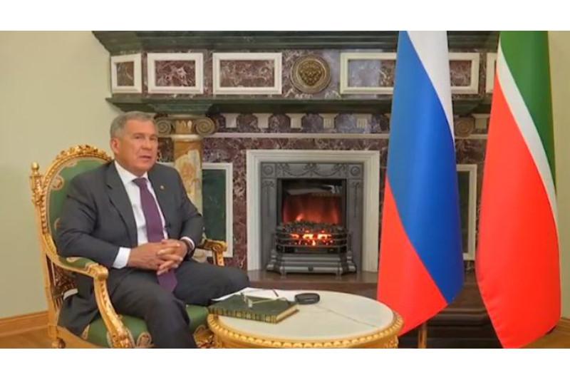 """鞑靼斯坦总统参与""""朗诵阿拜诗歌""""打卡接力游戏"""