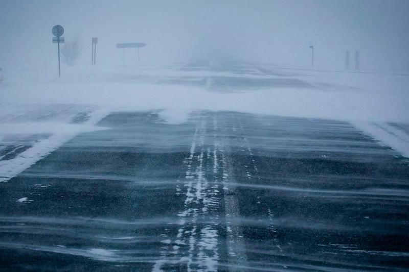 Закрыты из-за метели несколько участков дорог в Актюбинской области