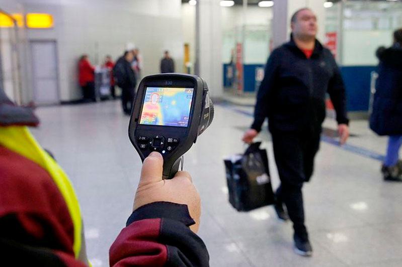 Аэропорт в Риме усиливает меры безопасности в связи с коронавирусом