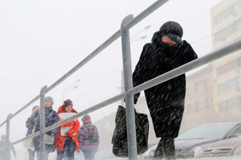 Штормовое предупреждение объявили в четырех регионах Казахстана