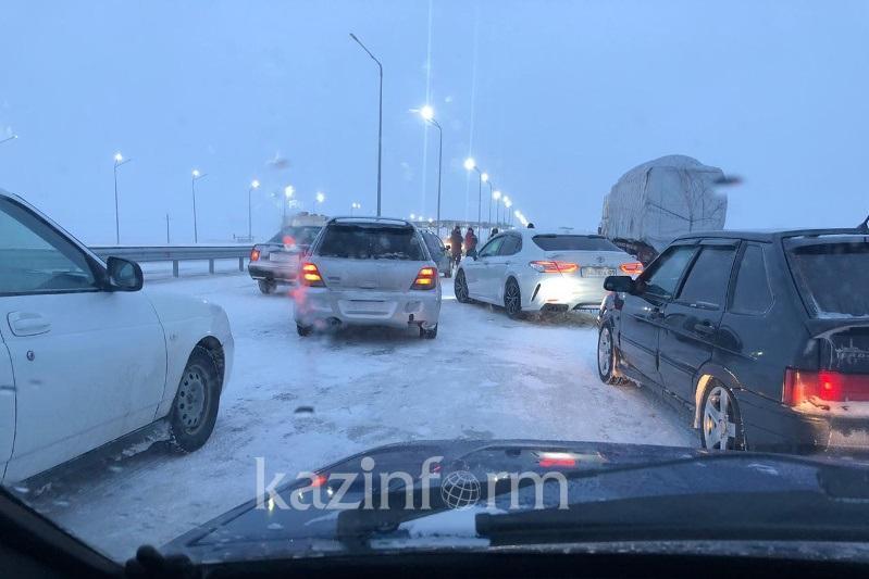 Казахстанские полицейские и спасатели работают в усиленном режиме из-за непогоды