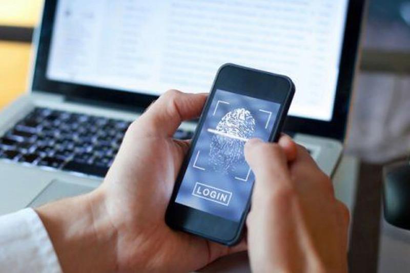 Казахстанцам предложили получать еще две соцуслуги с помощью SMS