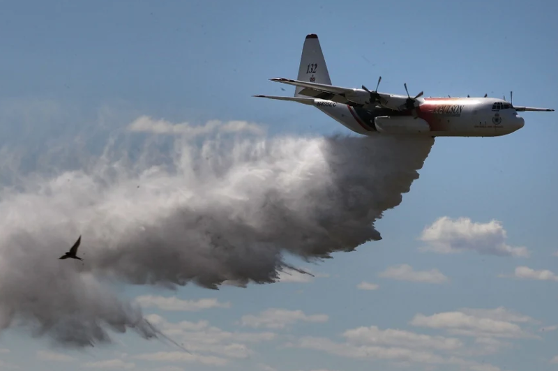 澳大利亚一架救火飞机坠毁 3人死亡