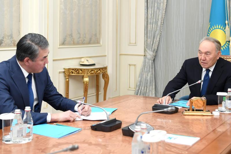 Нурсултан Назарбаев принял помощника Президента – Секретаря Совета Безопасности Асета Исекешева