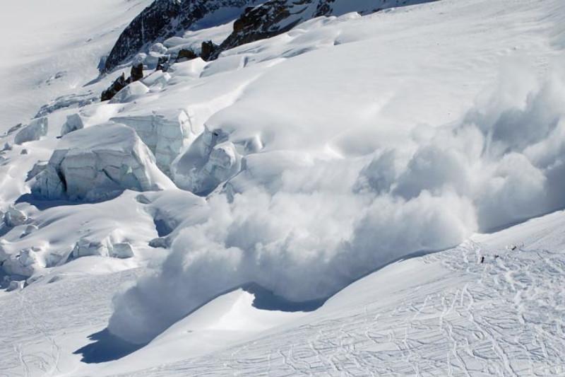 东哈州再次发生雪崩