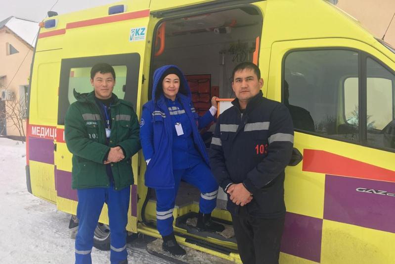 Служба скорой помощи спасла семью в Туркестанской области