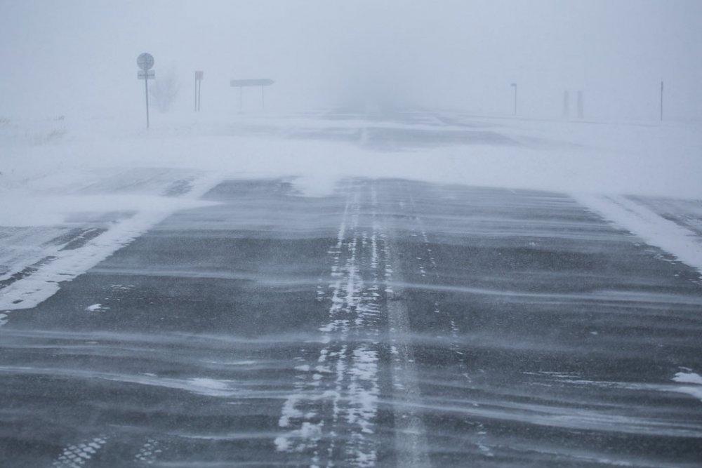 Какие дороги закрыты из-за непогоды в ВКО