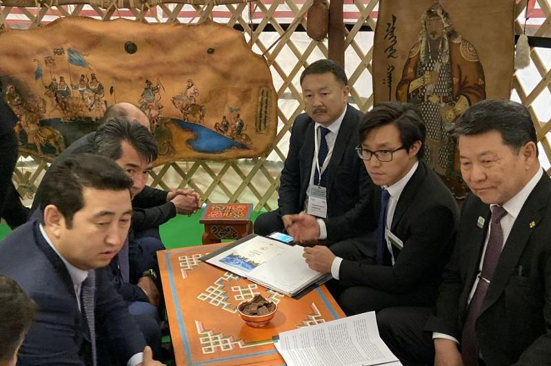 Mongolian Agriculture Minister meets with 1stVice Minister of Agriculture of Kazakhstan