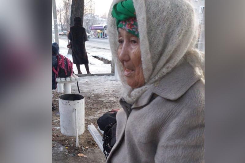 Заблудившейся бабушке в Талдыкоргане полицейские помогли добраться домой