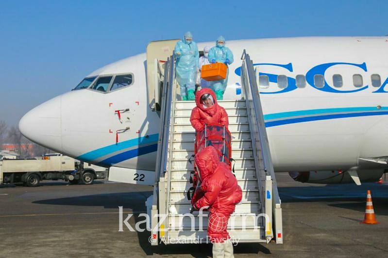 Пассажир с коронавирусом - в аэропорту Алматы проходят учения