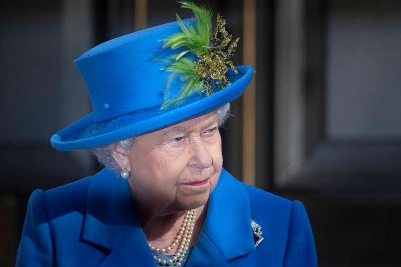 Queen Elizabeth II signs Brexit bill into law