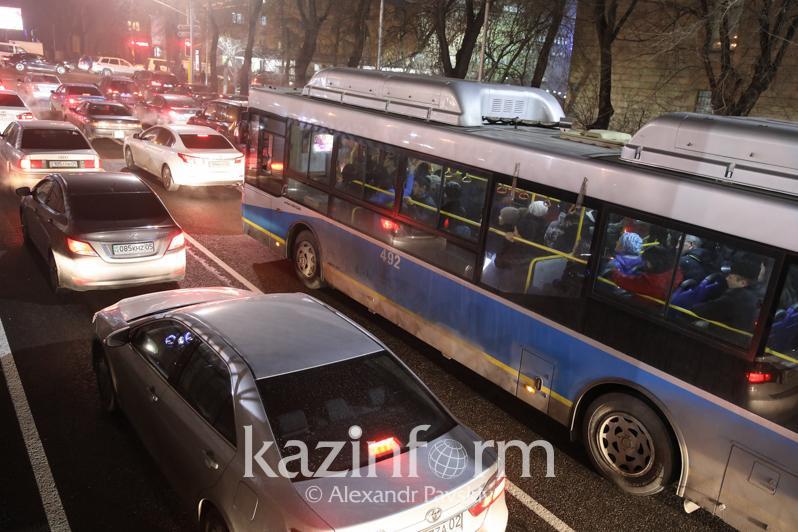 Скандал с банкротством автопарков в Алматы и Шымкенте прогремел на всю страну – Президент