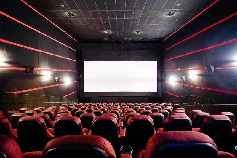 Сколько в Казахстане необходимо кинозалов