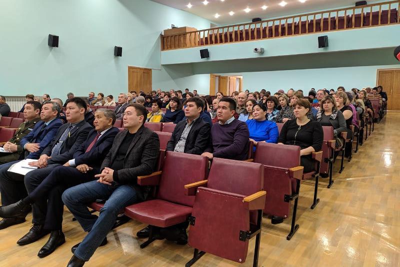 В селах Акмолинской области отчетные встречи акимов вели сами жители