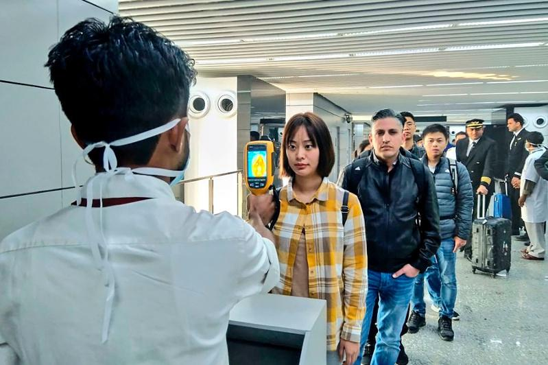 В Алматы усилен санконтроль и приготовлено 10 боксов в больницах из-за угрозы коронавируса