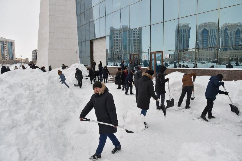 Национальный музей РК поддержал челлендж по уборке снега