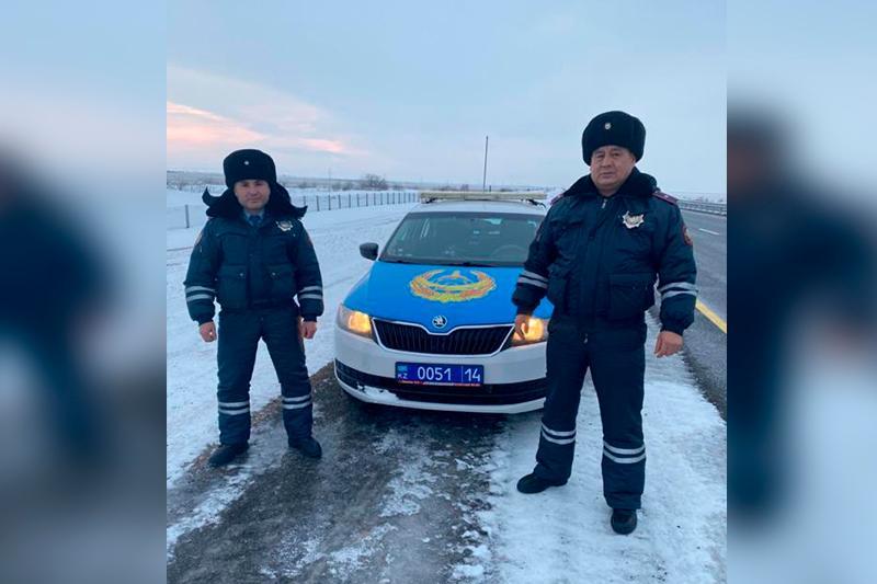 Двое суток не ел и не пил: в Павлодарской области спасли дальнобойщика из Шымкента