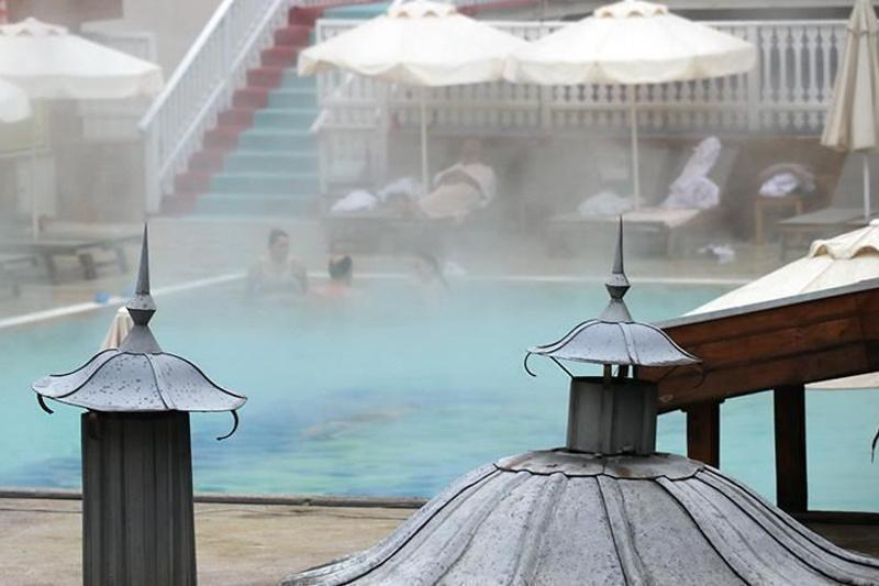 Turkey's hot springs attract Russian visitors