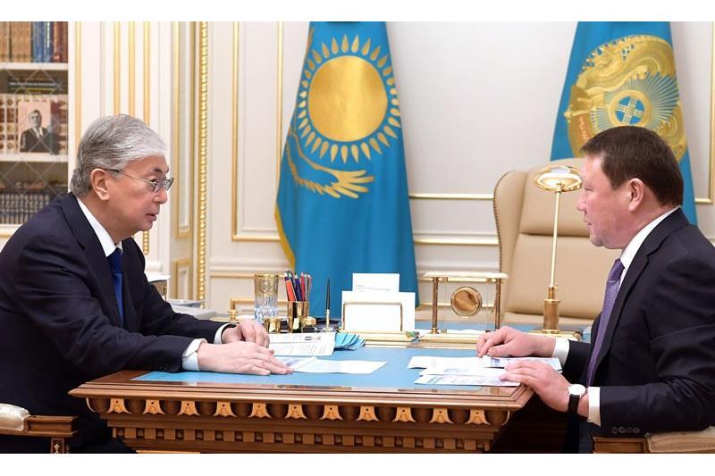 托卡耶夫总统分别接见地方领导人