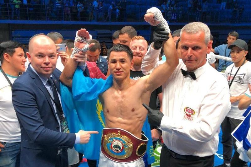 Казахстанский боксер с 24 победами начал подготовку к возвращению на ринг