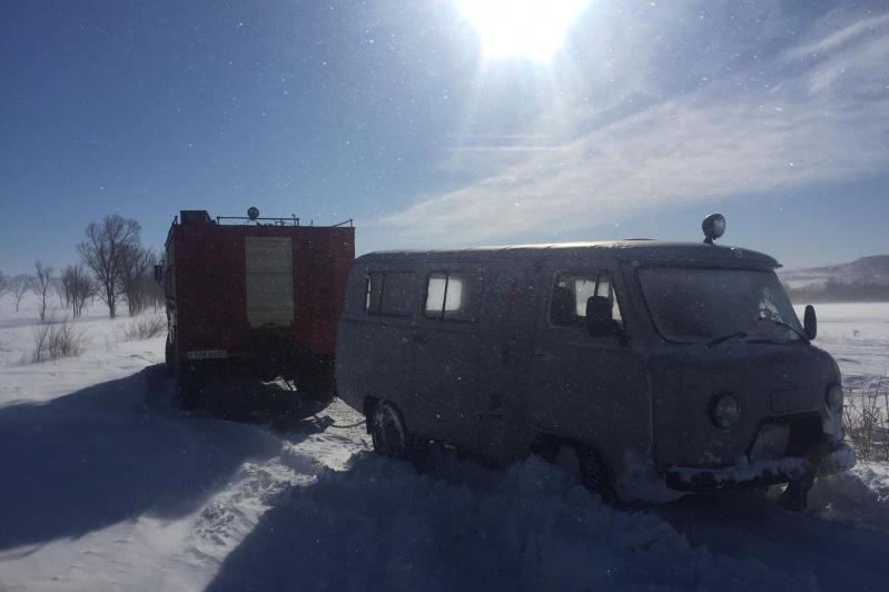 Беременную женщину из снежного плена спасли в Алматинской области