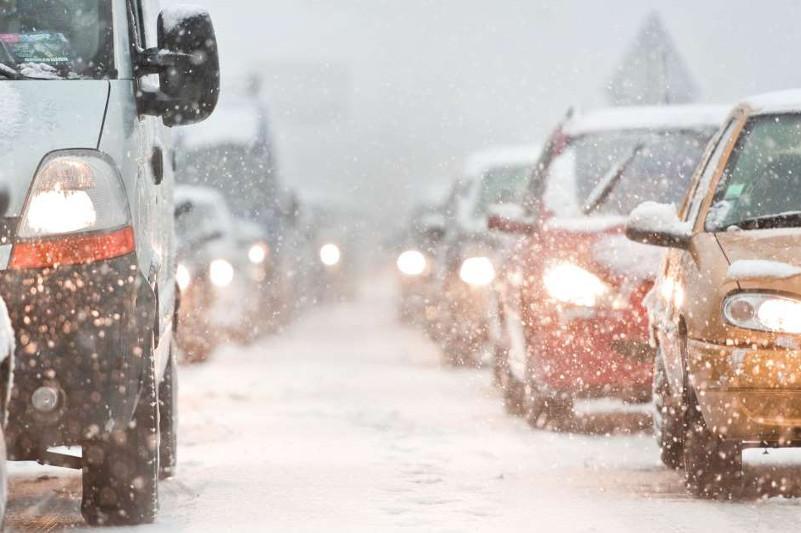 Дороги закрыты в девяти регионах Казахстана из-за непогоды