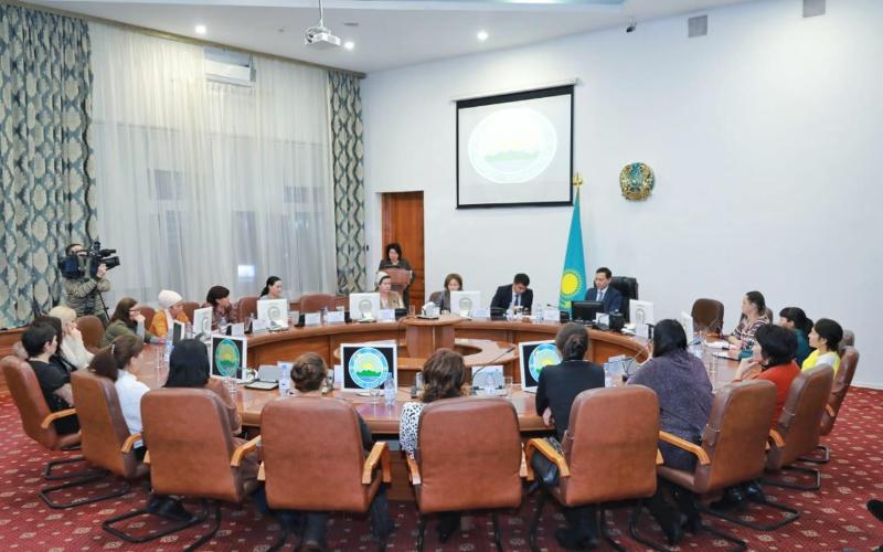 Круглый стол с многодетными матерями прошел в Восточно-Казахстанской области