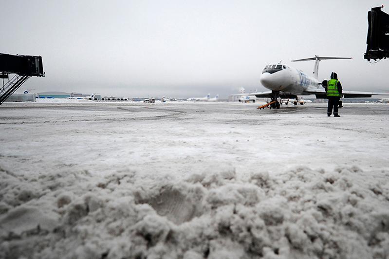 Столичный аэропорт: Все рейсы отложены из-за бурана