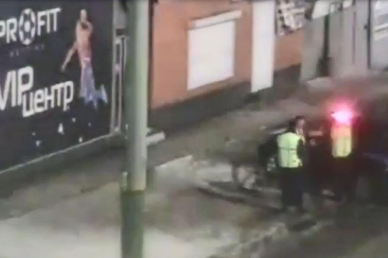 Телевизоры украли взломщики букмекерской конторы в Таразе