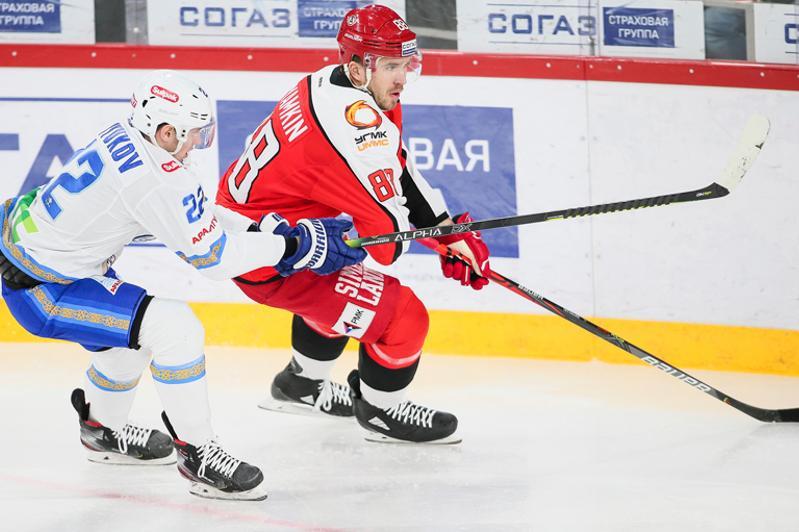 «Барыс» победил на выезде «Автомобилист» и прервал серию поражений в КХЛ