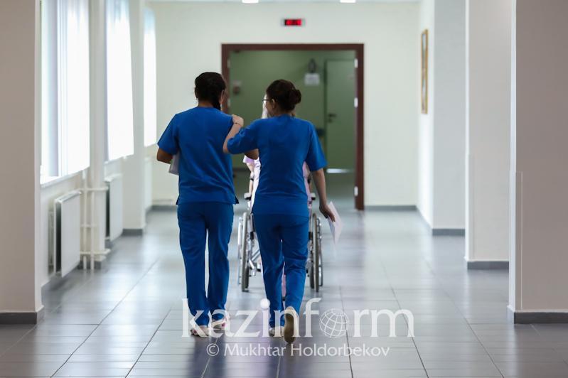 Четверо прибывших из Китая госпитализированы в РК с подозрением на ОРВИ
