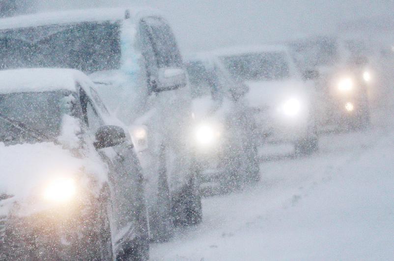 В связи с непогодой закрыто движение на 36 участках в Казахстане