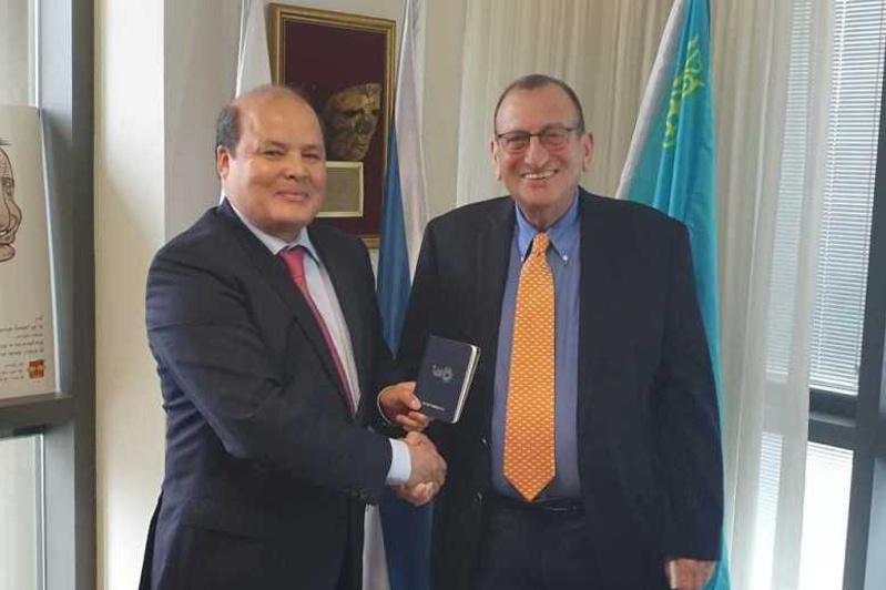 Kazakh Ambassador meets with mayor of Tel Aviv