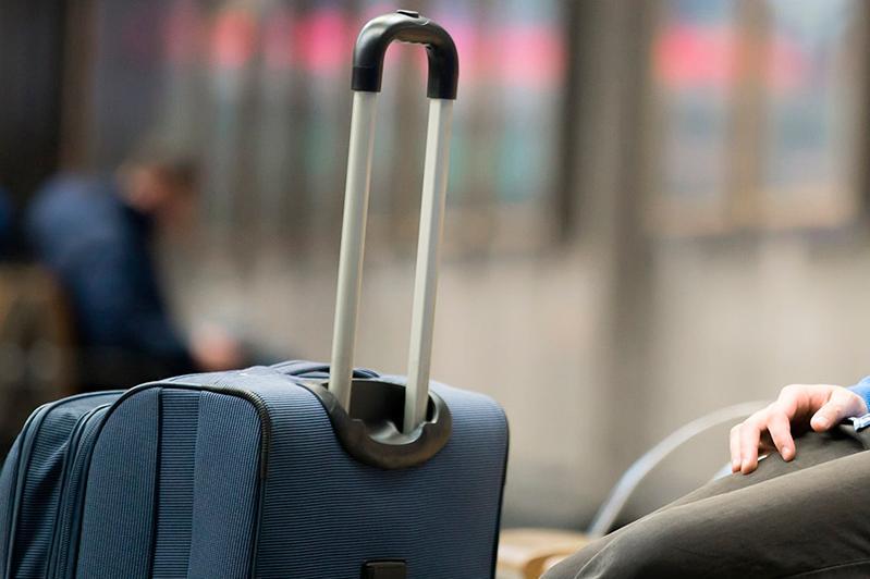 29 пассажиров сутки ожидают вылета самолета из Атырау в Актобе