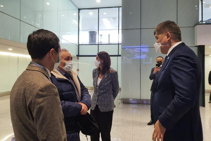 Елжан Біртанов Назарбаев әуежайындағы санитарлық бекеттің жұмысымен танысты