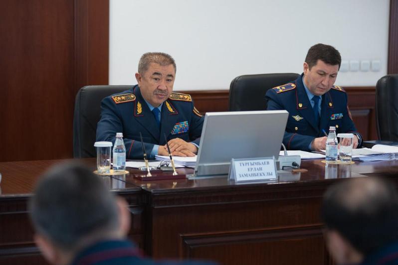 Глава МВД поручил оперативно реагировать на обращения граждан по фактам неправомерных действий полицейских