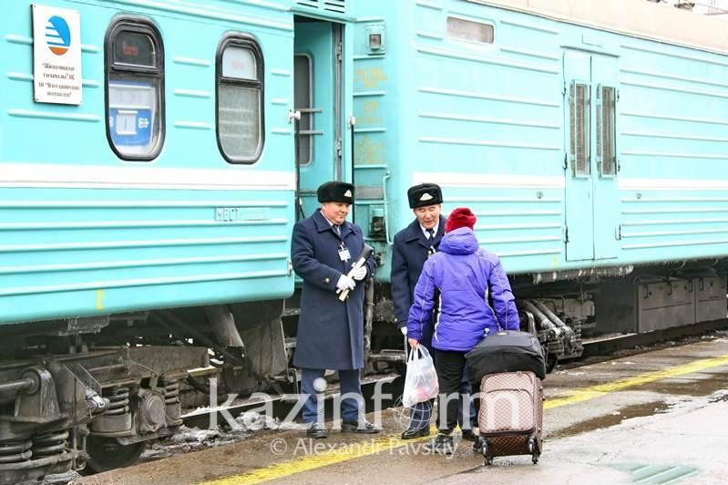 Kazakhstan to suspend bus, train communication with China
