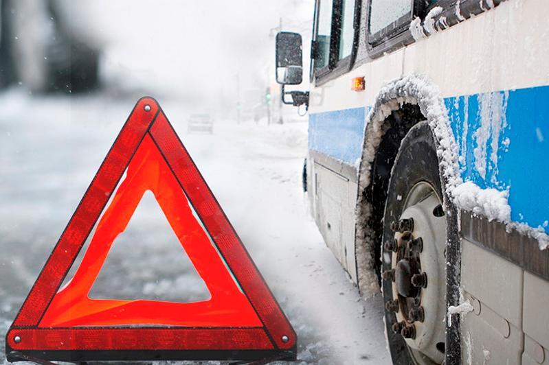 Автобус сбил женщину в Караганде