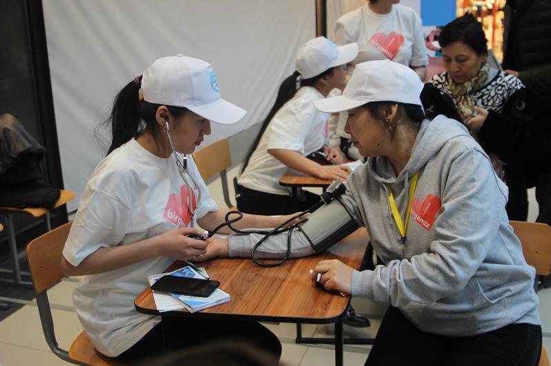 200 жамбылских студентов-волонтеров провели акцию «Саулык»
