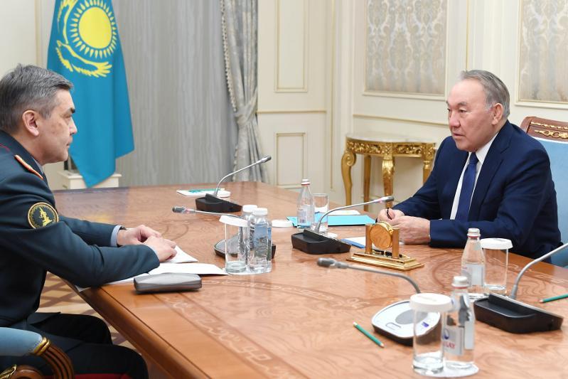 Председатель Совета Безопасности встретился с министром обороны Нурланом Ермекбаевым