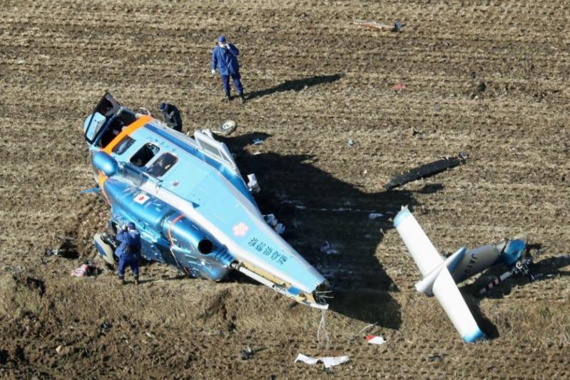 Вертолет с донорским сердцем совершил аварийную посадку в Японии, семь пострадавших