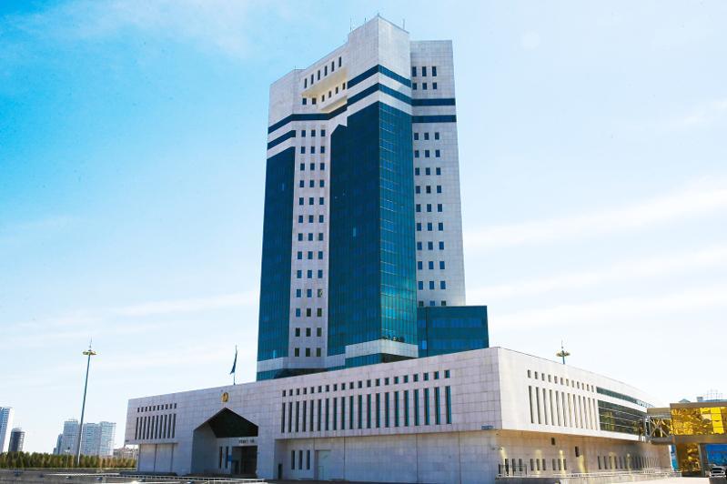 Казахстан эвакуировал своих граждан из Уханя